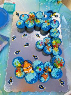 Finding Dory cupcake cake