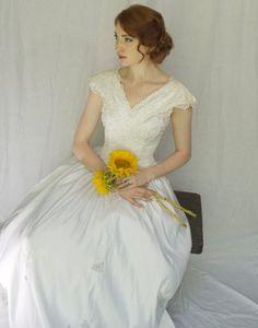 Vintage Wedding Dress by SarahsSuitcase on Etsy,