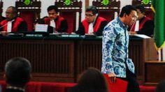 Navigasinews.com - Sidang kasus dugaan penistaan agama dengan terdakwa Basuki Tjahaja Purnama (Ahok) kembali akan digelar di Gedung Kementerian Pertanian, kawasan Ragunan, Jakarta Selatan, hari ini Selasa (17/1).   #Kasus Ahok #Polisi