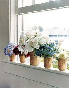 Nantucket Baskets for flower vases! Just make sure you have water proof liners. If I use mine I even put the flower vase inside a ziploc for extra Nantucket Cottage, Nantucket Baskets, Nantucket Style, Nantucket Island, Seaside Style, Coastal Cottage, Coastal Style, Coastal Living, Coastal Decor