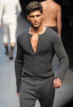 Dolce & Gabbana men's gray fashion Siguenos en Facebook https://www.facebook.com/pages/EXPONLINE/141220162699654