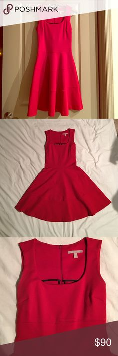 Size 0 Banana Republic fit and flare dress Style: tailored bodice fit and flare dress, red. The skirt has a bit of flounce and moves beautifully with your body. Appropriate for work (w/ a cardi or blazer), weddings (w/ glam heels and long strand of pearls), or a girls' night out (w/ tall boots and a leather jacket). It's the all-time most versatile dress! Banana Republic Dresses Mini