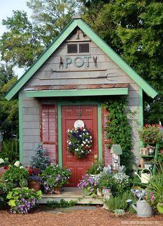 Potting Shed | homeiswheretheboatis.net #garden