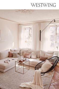 Living Room Decor Cozy, Chic Living Room, Blush Living Room, Cozy Bedroom, Cream Sofa Living Room Color Schemes, Cream And Black Living Room, Beige Sofa Living Room, Cozy Living Room Warm, Pastel Living Room