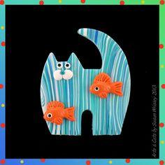 Medium Standing Turquoise Tabby Kitty Cat & 2 Orange Fish Pin