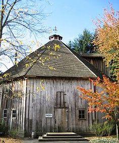 Old farmhouse italy at DuckDuckGo Mill Farm, Farm Barn, Old Abandoned Buildings, Old Buildings, Hillsboro Oregon, Portland, Converted Barn, Barn Renovation, Old Farm Houses