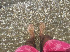Banyant-me entre petxines  #mar #sea #mediterranean #myself #beach #photo #foto #water #summer #estiu
