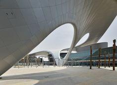 Universidad Zayed, Abu Dhabi, EE.AA.UU. - Hadi Teherani Architects - © Jörg Hempel
