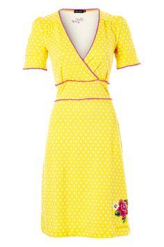Nieuwste aanwinst van Tante Betsy: proud to say I can wear yellow!