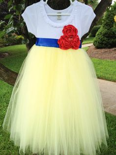 Hey, I found this really awesome Etsy listing at http://www.etsy.com/listing/160129452/snow-white-inspired-birthday-costume