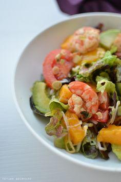 Salade de crevettes, mangue, avocat et citronnelle