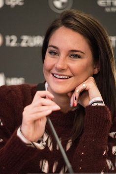 Shailene Woodley Photos Photos - Actress Shailene Woodley attends the 'Snowden' Press Conference during the 12th Zurich Film Festival on September 24, 2016 in Zurich, Switzerland. The Zurich Film Festival 2016 will take place from September 22 until October 2. - 'Snowden' Press Conference - 12th Zurich Film Festival