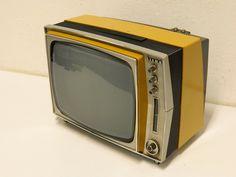 Siera - SI 31T026 - 1974 Retro Futuristic, Futuristic Technology, Box Tv, Space Age, Radios, Antiques, Vintage, Mini, Design