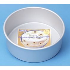 """Diepe PME Round Cake pan (10 x 3""""), 25 cm diameter bij 7,5cm diepte. Ronde taartpan met extra dik aluminium dat zorgt voor goede warmte geleiding."""