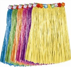 Adult Artificial Grass Hula Skirt is a must have to complete your hula dance for your luau. Aloha Party, Hawaiian Luau Party, Hawaiian Decor, Hawaiian Birthday, Luau Birthday, Tropical Party, Moana Birthday, 19th Birthday, Party Fun