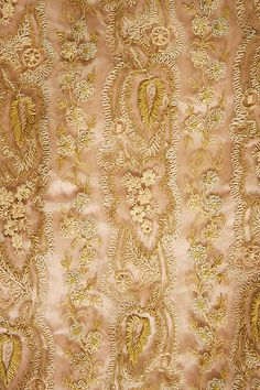 Dinner dress (image 4)   French   1888-1889   silk   Metropolitan Museum of Art   Accession Number: 1976.208.3