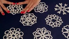Paper snowflakes tutorial Papír hópehely tutorial mintákkal