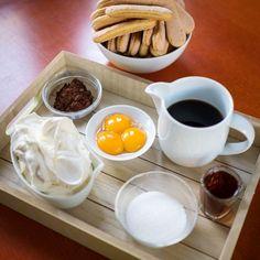 Dezert zItálie: Bleskové tiramisu za10 minut hotové - Proženy Tiramisu, Food And Drink, Pudding, Tableware, Desserts, Erika, Tailgate Desserts, Dinnerware, Deserts