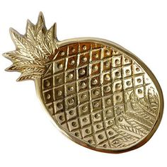 Our brass pineapple trinket dish continues to feed our obsession with pineapples! Perfect for your nightstand to hold jewelry, or your desk to hold coins, pape