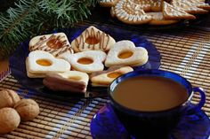 Linecké koláčiky s vanilkou Chocolate Fondue, Pudding, Cookies, Desserts, Food, Basket, Crack Crackers, Tailgate Desserts, Deserts