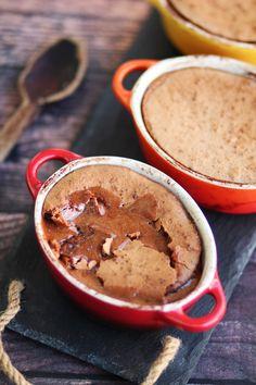 Σουφλέ πραλίνας με 4 μόνο υλικά | Cool Artisan Peanut Butter, Pudding, Chocolate, Desserts, Food, Tailgate Desserts, Deserts, Puddings, Schokolade