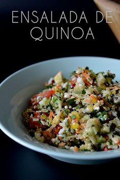 esta ensalada de quinoa con verduras y frutas es la mejor manera de dejar atrás los excesos de las fiestas.