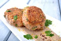 spicy_salmon_cakes_h-min