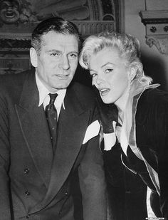 Women - British - Males - Movie - USA - Performer - Americans - New York City - Celebrities - Mid-Atlantic - Adults - Posed - Laurence Olivier - English - Men - The Prince and the Showgirl Motion Picture - North America - Press conference - Prominent persons - 1957 - Actor - New York State - Europeans - MARILYN MONROE - Actress - People - Movie actor - Performing arts - 2 - Whites