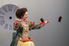 Irena Ristic as Gertrude in The Elsinore Case by Ljubisha Georgievski (second act). Costume design: Nikola Eftimov; stage design: Meri Georgievska; photo: Kire Galevski.