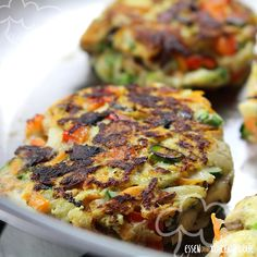 Vegetarische Frikadellen - Essen ohne Kohlenhydrate Vegetarian meatballs - eating without carbohydra Healthy Nutrition, Healthy Snacks, What Is Healthy Eating, Vegetarian Meatballs, Albondigas, Meatball Recipes, Salmon Recipes, Food To Make, Veggies