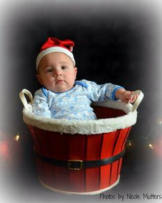 Santa baby bucket Photo by Nicole Mutters http://www.facebook.com/pages/Photos-by-Nicole-Mutters/210703892317779