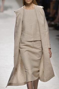 MaxMara Spring 2014/Beige Coat/Skirt/Blouse Ensemble/Modest