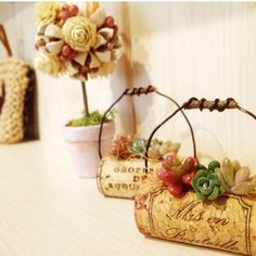 Utilized Grape Corks on the market in order to use for craft tasks like grape plug wreaths, cork timber sheets, wedding prefers plus much more.
