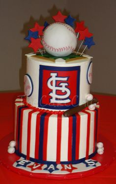 St. Louis Cardinals cake! Love! If someone could make this for my kids party in 3 weeks, I would greatly appreash