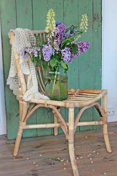 Vi har hatt noen nydelige sommerdager her nå   og det blir mye kos ute ...   og orangeriet er flittig i bruk.   Her har våre nye sto...