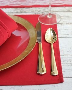 Some classics such as #gold  #red color palettes never look old!      #classic #tablesetting #dinner #tabledecor  #visualsoflife #fashion #bride #stylish #weddingstyle #styles #stylediaries #elegant #gorgeous #dreamwedding #elegantweddings #wedding #weddings #weddinginspiration #weddingphotography #luxurywedding #weddingstyle #weddingdesigns #summerweddings #springweddings  #weddingreception #weddingphotographer #burlapandsilk  Explore our thoughtfully-curated premium-grade table linens and…