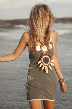 Sexy modern hippie masa dress with gypsy print & ethnic tribal necklace. So boho chic. FOLLOW http://www.pinterest.com/happygolicky/the-best-boho-chic-fashion-bohemian-jewelry-gypsy-/ for the BEST Bohemian fashion trends in clothing & jewelry.
