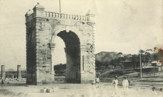 Independence Gate circa 1910 / Courtesy of Robert Neff collection