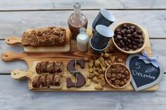🌟Tante S!fr@ loves this📌🌟Sinterklaas DIY Christmas Treats, Christmas Time, Christmas Decorations, Cute Food, Good Food, Wilton Cake Decorating, December Holidays, Wilton Cakes, Dutch Recipes