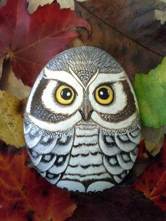 Owl painted rock ideas unique best easy painted rock ideas for beginner who want source via Rock Painting Patterns, Rock Painting Ideas Easy, Rock Painting Designs, Pebble Painting, Pebble Art, Stone Painting, Painted Rock Animals, Painted Rocks Kids, Painted Stones