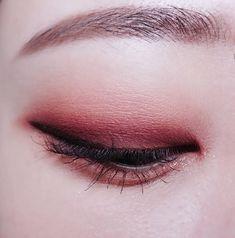 Save = Follow # Tịnh Kỳ. * Don't save free ok ! Makeup Stuff, Eye Makeup, Soft Grunge Makeup, Eyeshadows, Girly, Make Up, Lips, Free, Beauty