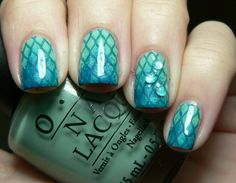 Mermaid nails... Good idea for the Little Mermaid bday party