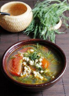 Canh hến nấu chua cho bữa trưa thanh mát