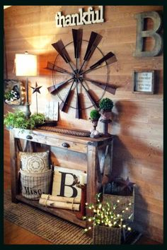 DIY decorating in farmhouse style! Love this rustic farmhouse foyer decor! The pallet wood wall and accent wall decorations and home accessories are GORGEOUS! home wood Foyer Accent Wall Ideas - Easy DIY Decorating Ideas for Your Entry Wall Diy Casa, Entry Wall, Entry Foyer, Wood Pallets, Pallet Wood, Easy Home Decor, Metal Wall Decor, Foyer Wall Decor, Outside Wall Decor
