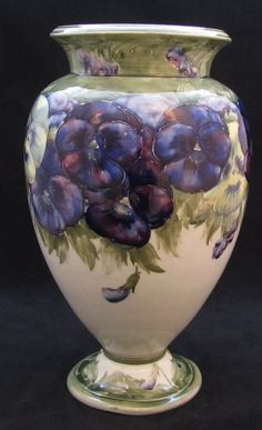 William Moorcroft Vase by WILLIAM MOORCROFT : The British Antique Dealers' Association