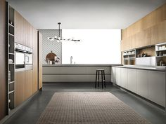 Cuisine laquée avec barre EMETRICA by ERNESTOMEDA   design Alessandro Andreucci, Christian Hoisl