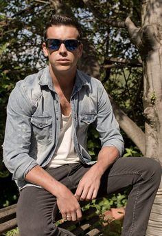 Mario Casas great actor but I also love this look