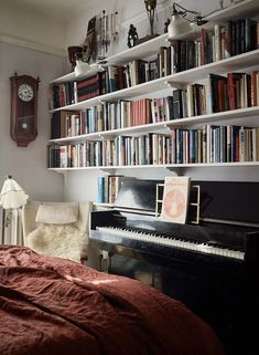 pretty home decor Book Storage, Decoration, Piano, Bookcase, Shelves, Interior Design, House, Inspiration, Home Decor