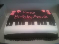 2nd attempt at fondant! Dad's girlfriend's piano birthday cake!