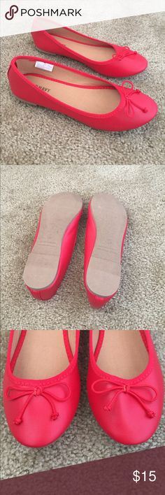 Red flats Bright red flats with thin bow at front. Never worn, just dust from the store on bottoms. Old Navy Shoes Flats & Loafers